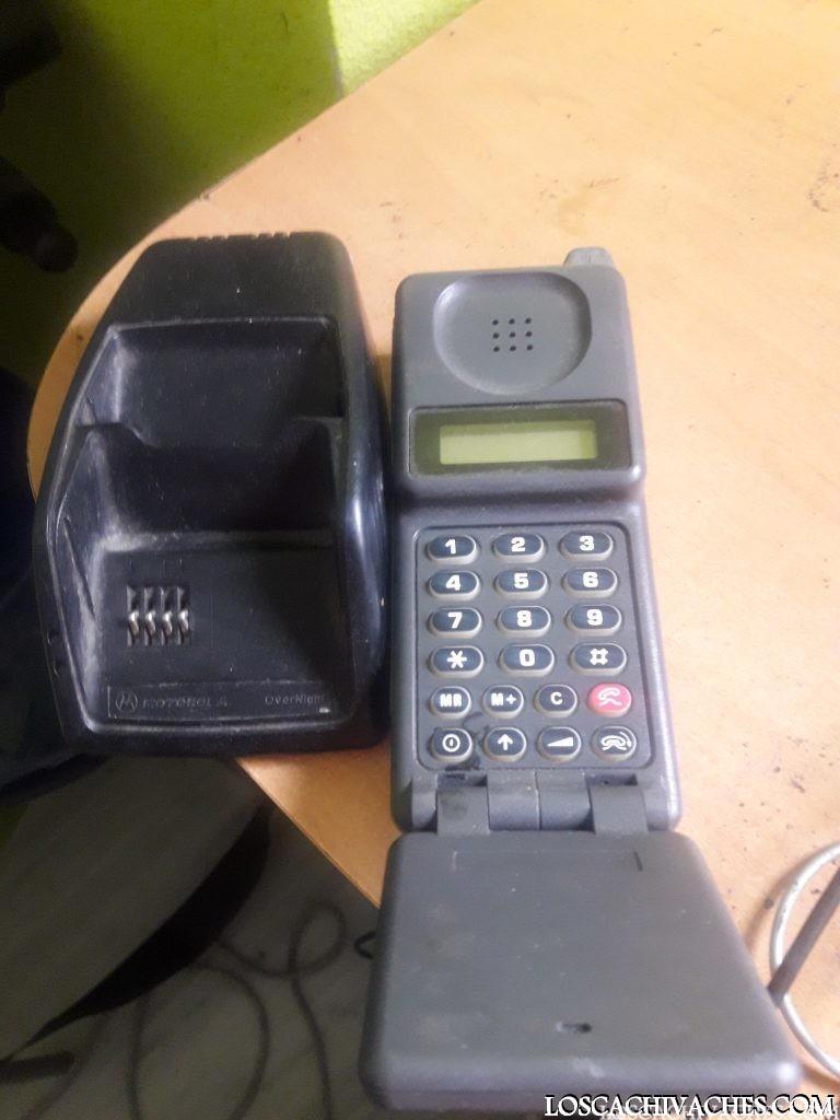 Antiguo teléfono motorola Executive 2