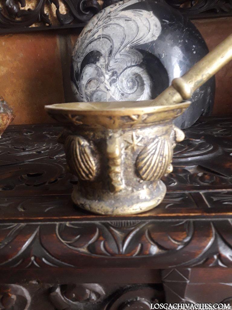 Mortero de bronce gallego