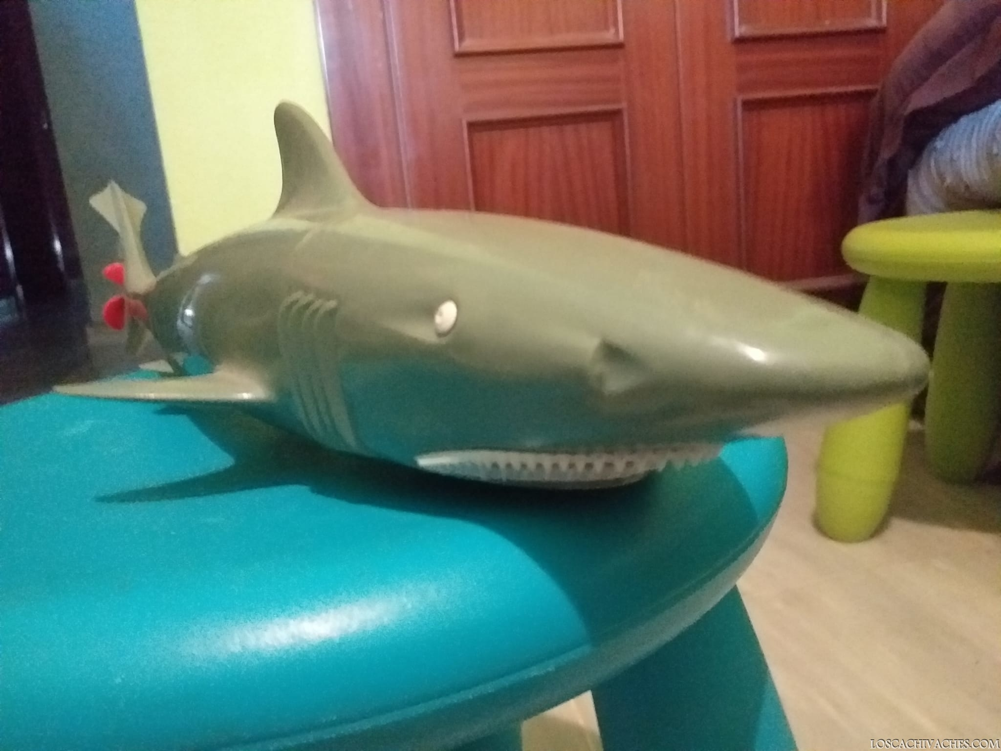 Tiburon de juguete años 70