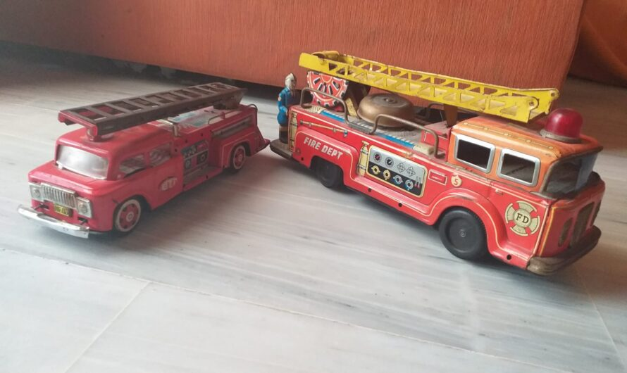 Camiones bomberos Juguetes de Hojalata antiguos