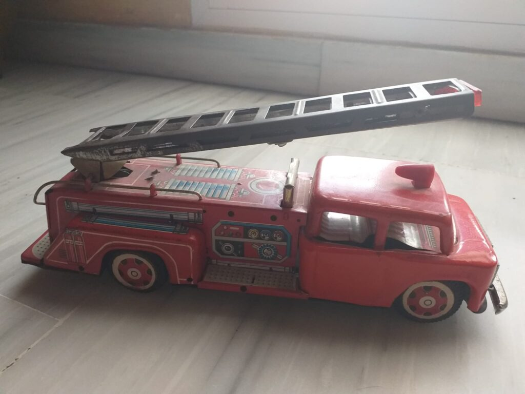 cachivaches camiones bomberos, hojalata, juguetes antiguos, colección