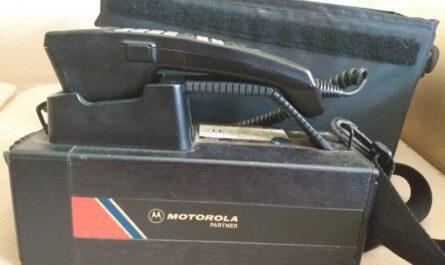 primer telefono movil de la historia motorola 5000x