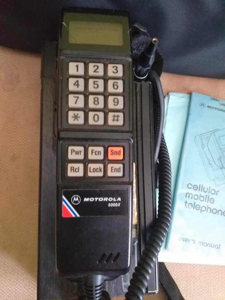 telefono portatil movil año 1980 coche