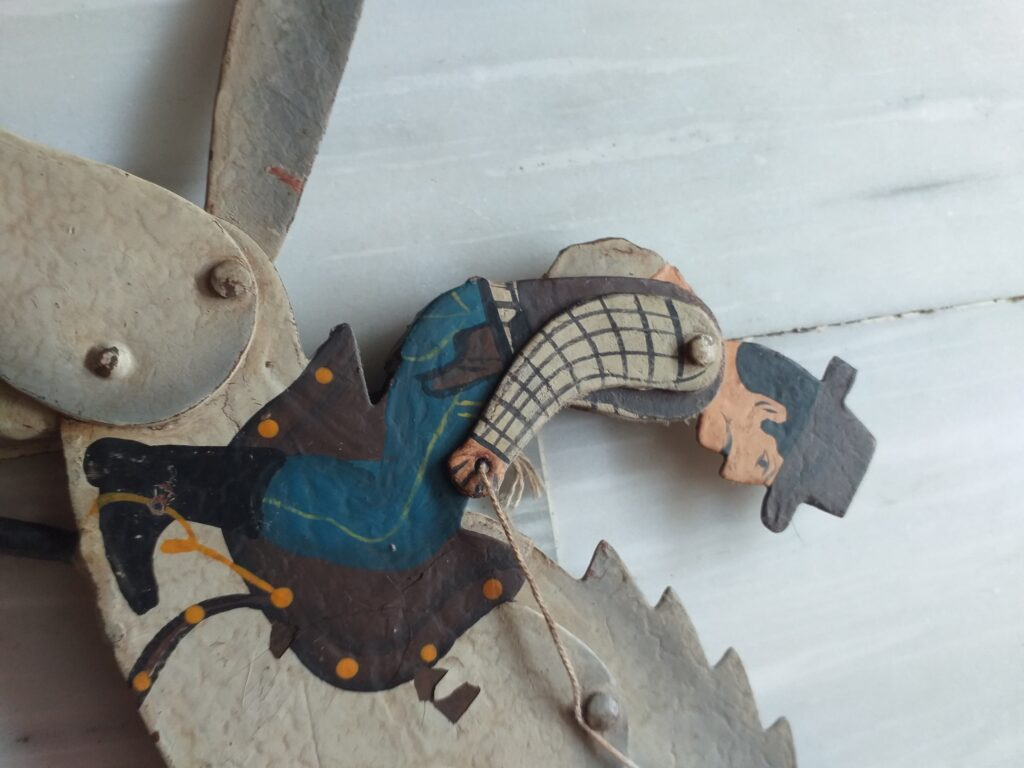 Vaquero en caballo con péndulo - Juguetes Antiguos