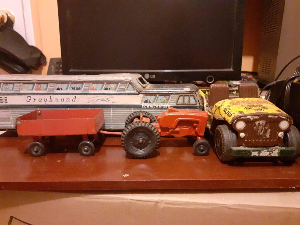 Colección antigua de juguetes hojalata 5