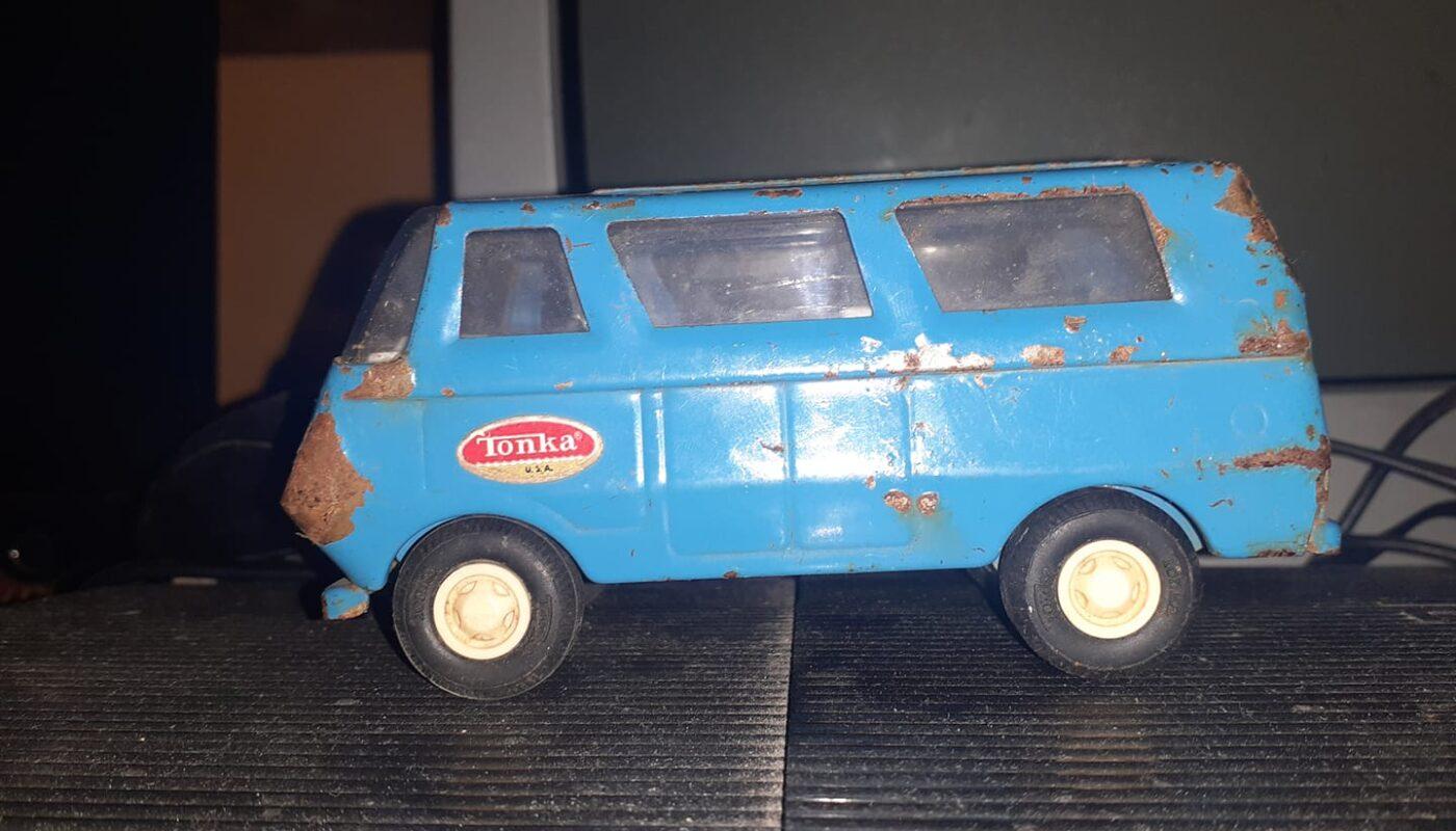 coches de hojalata, juguetes de lata antiguos
