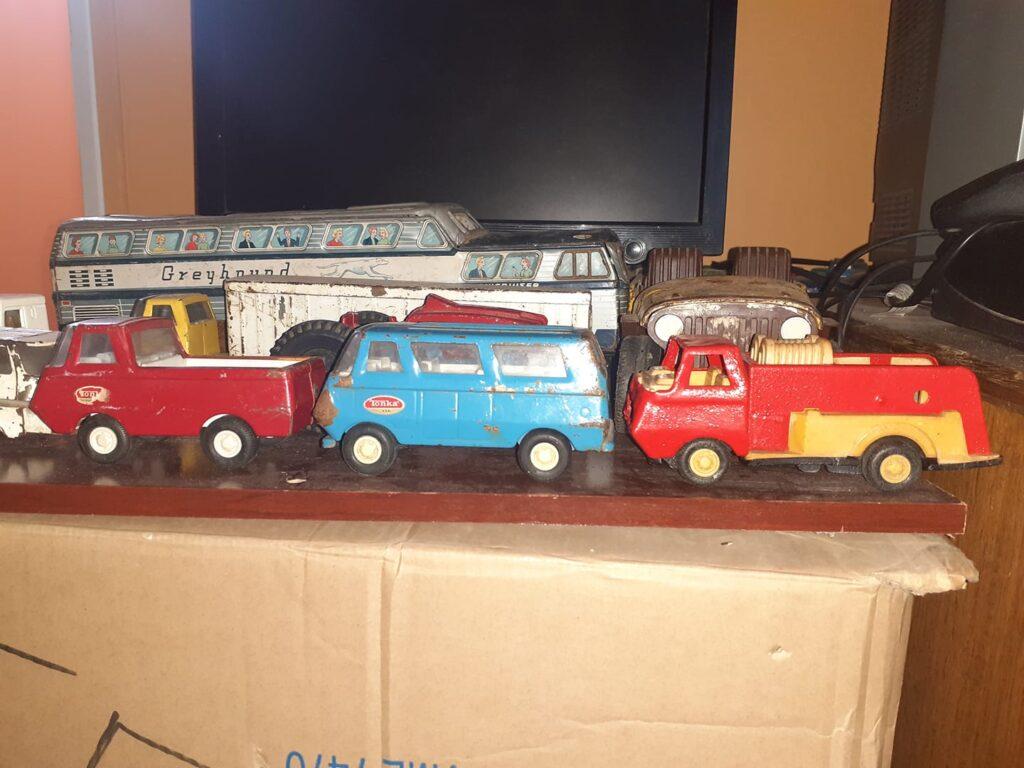 juguetes antiguos, juguetes de lata, coches, camiones, Tonka made in USA